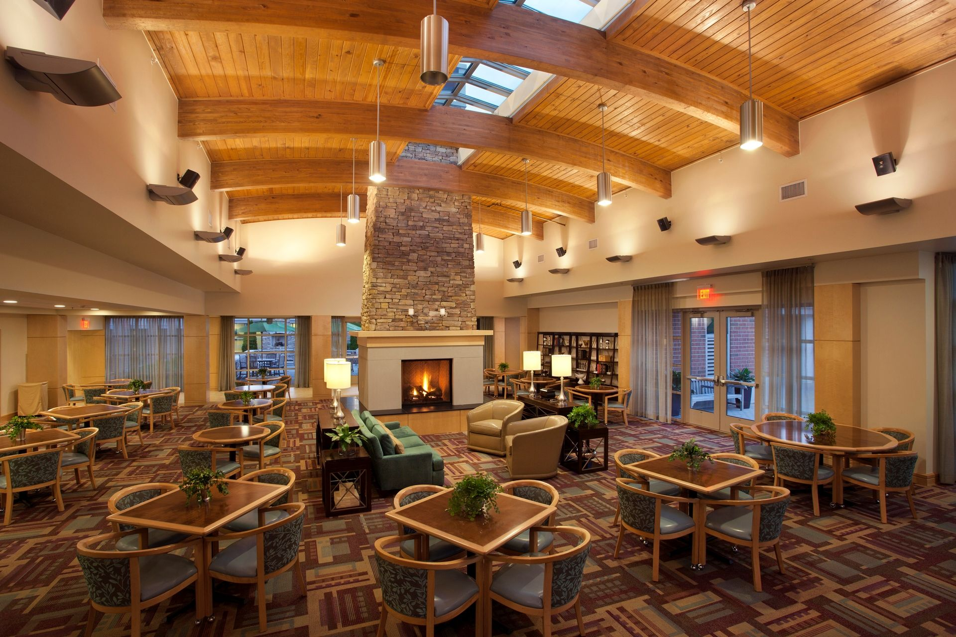 THW | Marquette | Bistro Dining | Senior Living Design