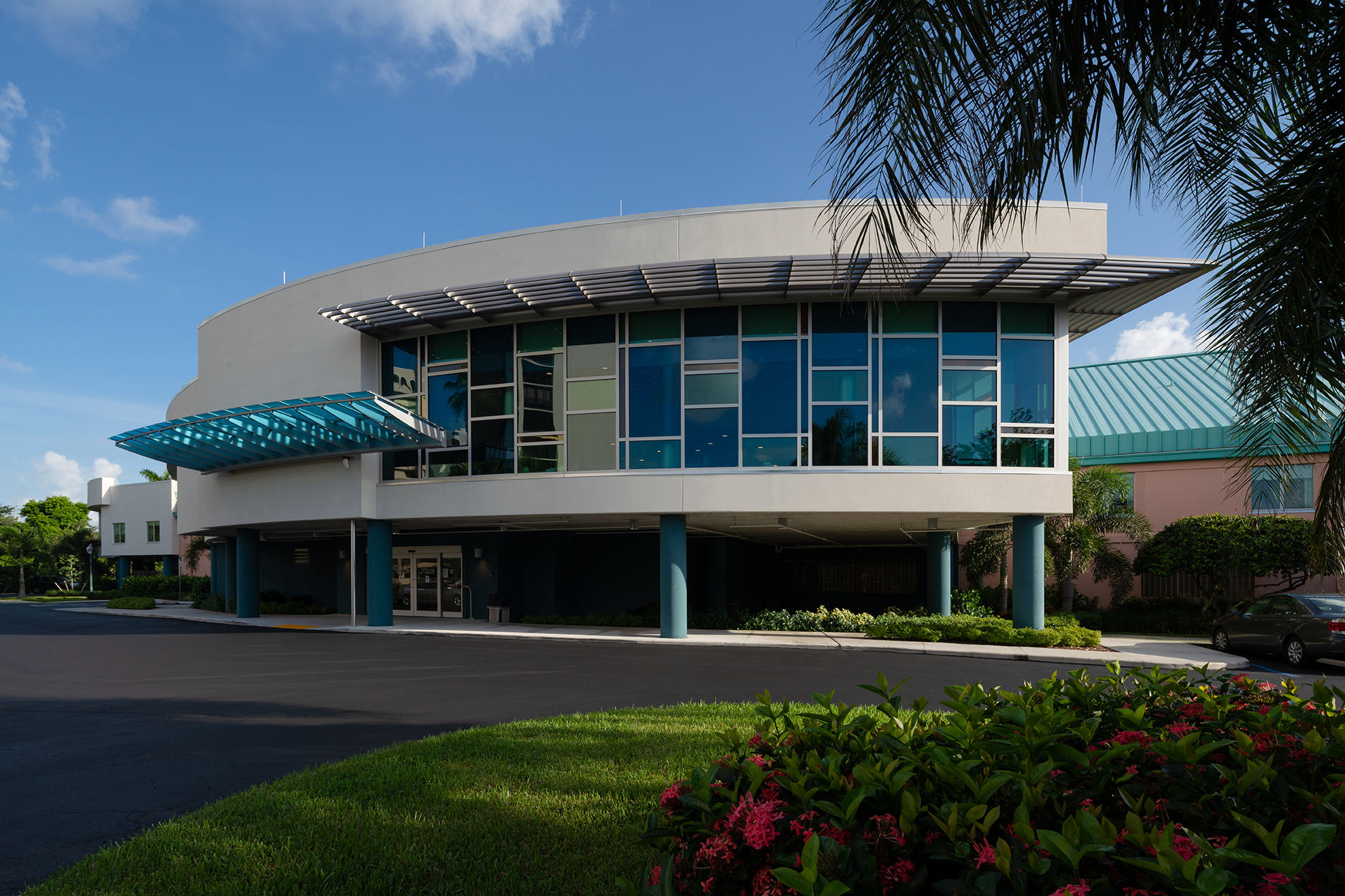 The Glenview at Pelican Bay Exterior  Health care Florida Senior Living THW Design